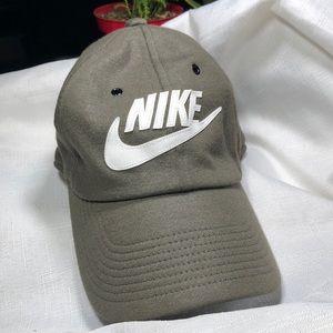 NIKE Sportswear h86 cap Hunter/Olive Green Adjust